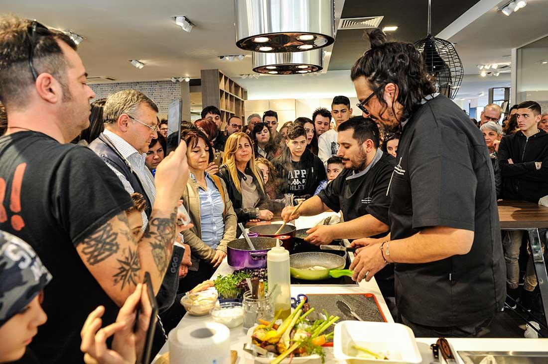 Grande successo per l'evento Live Cooking Beko con lo chef Alessandro Borghese